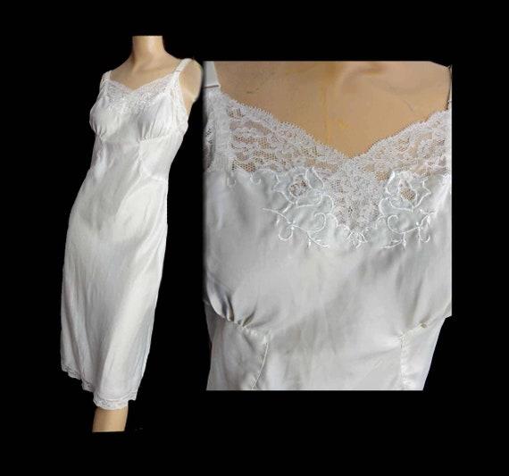 Vintage Hollywood Glam 1940s Slip Cream Off White