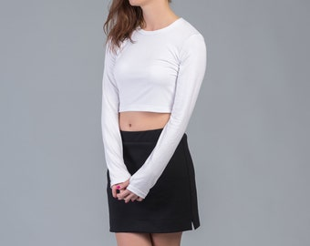 Women's crop top in white / Crop top with thumb holes / Long sleeved crop top in white / Minimalist white top / Crop t-shirt / Techno style