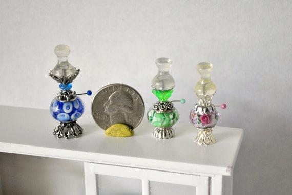 Casa de muñecas en miniatura escala 1//12th Retro huracán lámpara de aceite Varios Colores
