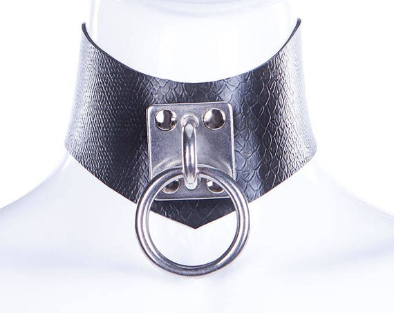 Latex Snake Texture O Ring Choker