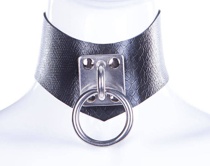 Latex Snake Texture O Ring Choker
