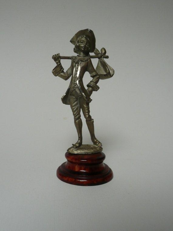 Vintage Peltro Cesellato a Mano Lady Figurine