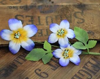"""Blumenkrone, blauer Blumengirlande für Haar, Kap-Haarkranz für Erwachsene, Fascinator Clip, Jahrgang 1950 - """"Regentropfen Rush"""""""