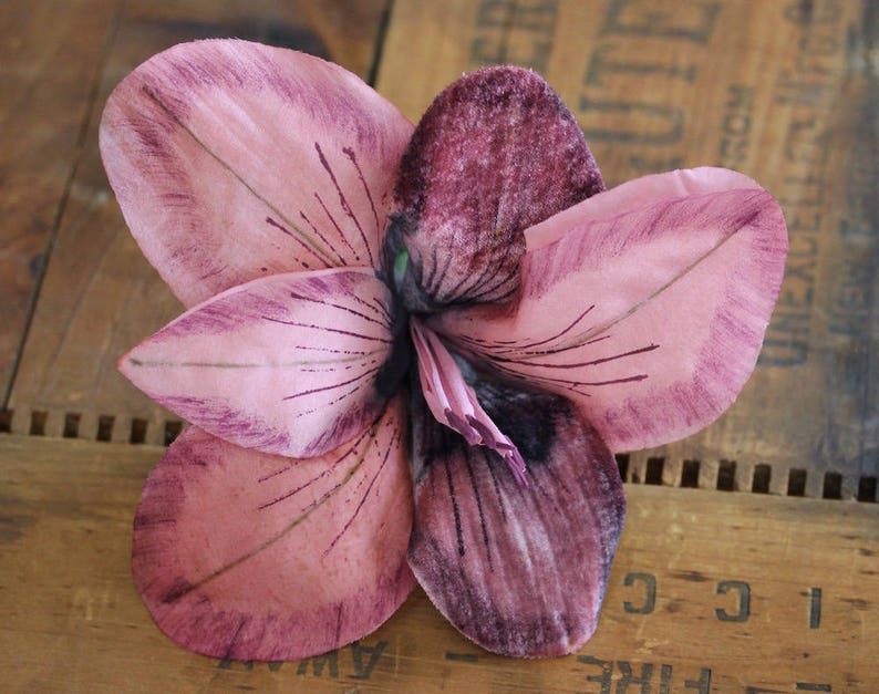 Pink Lily Clip Fascinator Large Floral Headpiece Mauve Hair image 0