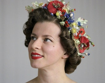 """Mohn Blumenkrone, rot, weiß und blau Blumenkranz, Wildflower Girlande, 1940er Jahre Kopfstück, böhmische Haar-Accessoire - """"Treffen Sie mich auf der Wiese"""""""