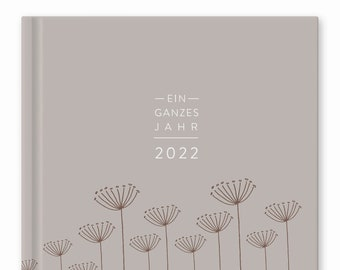 Calendar A5 - a whole year 2022 | Weekly planner and notebook for more mindfulness | Hardcover Pocket Calendar | Beige White