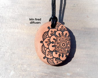 Black Adjustable Mandala Flower Aromatherapy Essential Oil Diffuser Kiln Fired Terracotta Aroma Clay Yoga Necklace Pendant Jewelry