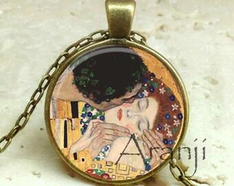 Klimt art pendant romantic jewelry Valentine gift anniversary gift Valentine/'s Day jewelry L147 The Kiss Gustav Klimt Art Nouveau necklace