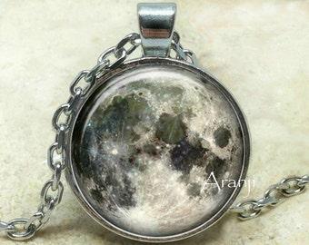 Luna colgante, colgante de la luna llena, colgante de luna gris, espacio colgante, collar de la luna, luna de la joyería, colgante de #SP120P