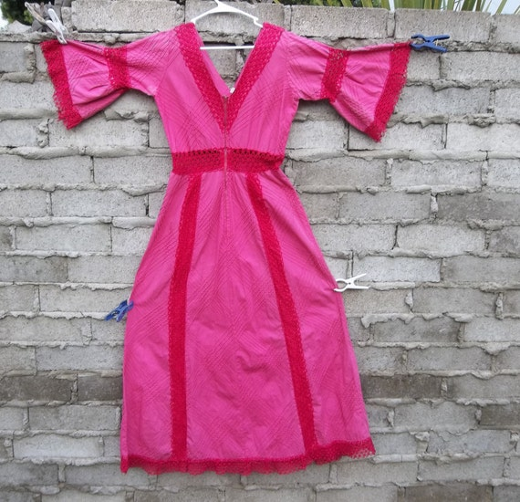 Vintage Dress 1970's 60s Pin and Tuck Lace Native Mexican Boho Ethnic Dress sz Medium Pinks Two Tone