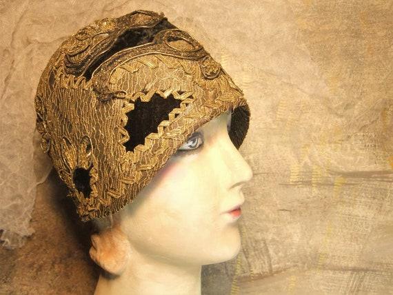 Cloche Hat, 1920's Skull Cap, Flapper Hat, Gold Pa