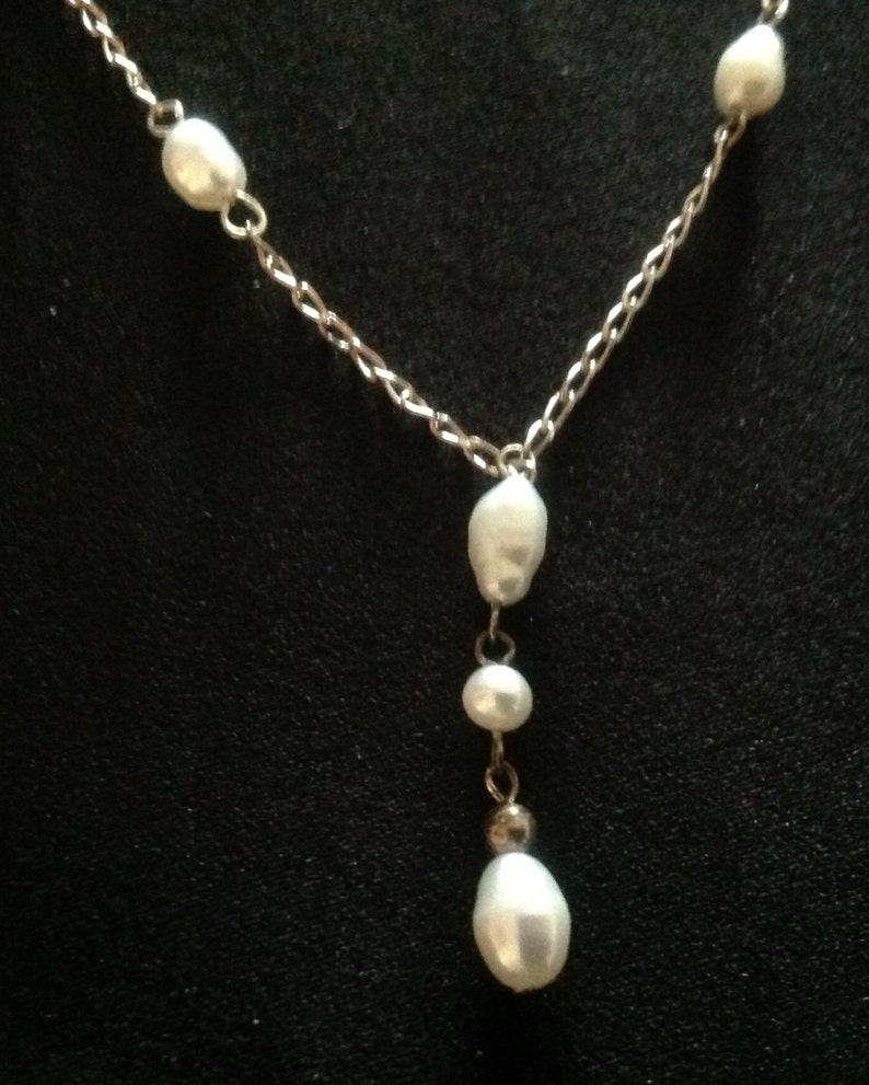 Beautiful Sterling Silver Genuine Freshwater Pearl NecklaceEarring Set
