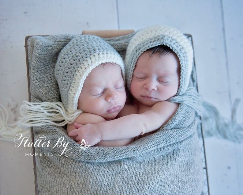 0a9e49ea2 Twin set-Baby girls Twins bonnets.Baby bonnet.Classic | Etsy