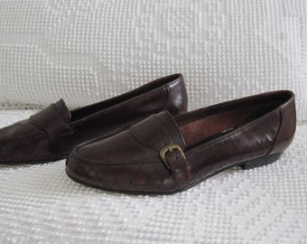 2b7fe7c90b9 Vintage G.H. Bass   Co ~ Women s Penny Loafers ~ Size 9 ~ Narrow Fit ~  Flats ~ Slip Ons ~ Oxblood - Cordova ~ Near Mint Condition!