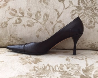 389ff71b1 Gucci Pumps ~ Pointed Toe Heels~ Dark Brown Leather ~ Perfect Condition -  Still Smells New! ~ Size 9 1/2 B ~ In Box with Sak's Receipt!