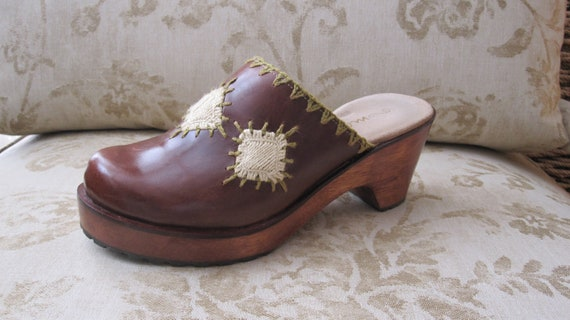 4fdf2cca31d34 Brown Leather Clogs ~ Size 9 - 9.5 ~ Boho Embroidery ~ Wood Heels ~ Lug  Soles ~ Made by Matisse ~ Worn Twice ~ Excellent Condition!