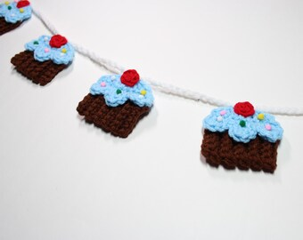 Crochet Bunting, Cupcake Garland, Kitchen Wall Hanging, Summer Birthday Party Decoration, Nursery Room Decor