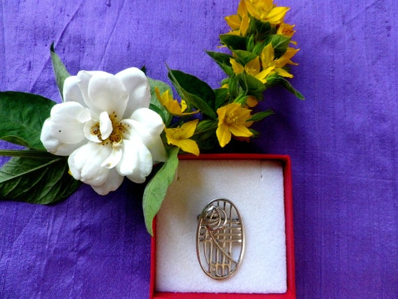Celtic style Rennie Mackintosh silver brooch by Carrick Jewellery Ltd