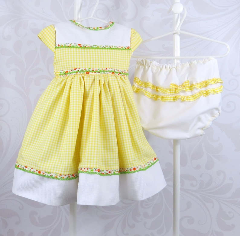 28d03f8e755b Baby Girl Dress and Bloomers Size 9 Months Infant Girl