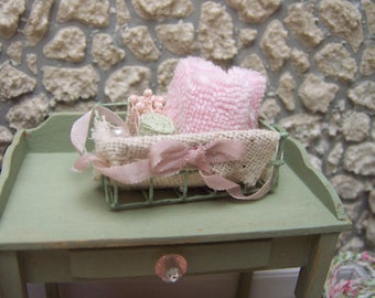 Dollhouse Miniature Wire Basket With Towels