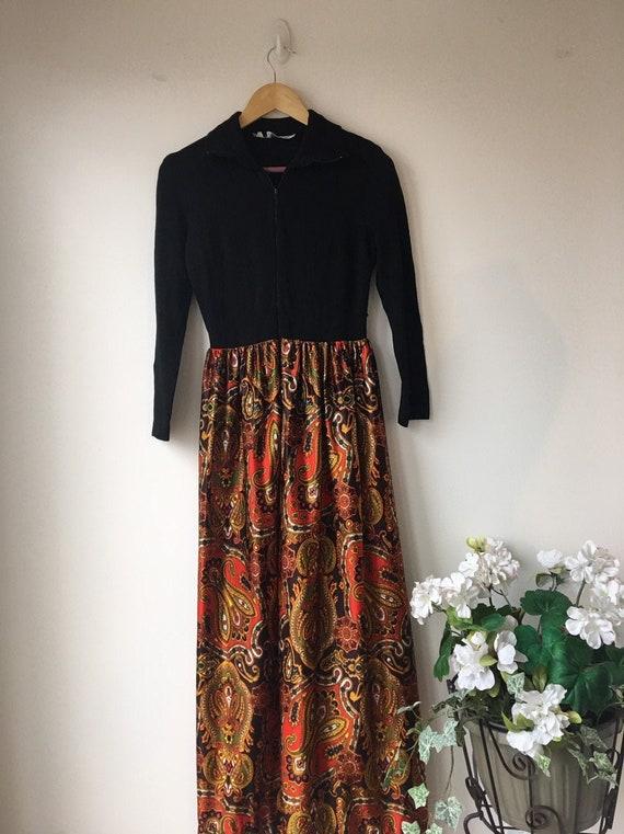 70's maxi dress MOD  Modern Satin paisley print  P
