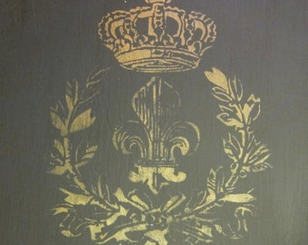 "Fleur&LaurelWithCrown (9"" x 7.45"") - Cool vintage looking stencil."