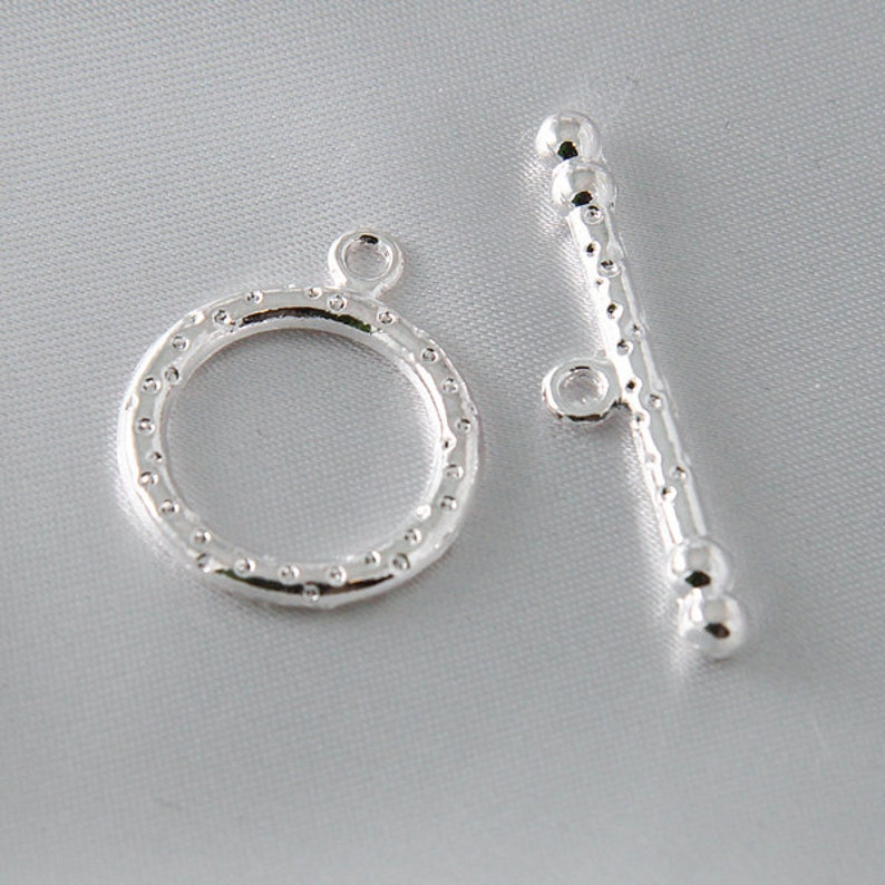 SMALL metal silver plated 2 Sets Matte Silver Toggle Clasps fcl0278