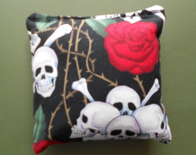 Skull & Roses Corn hole Bags