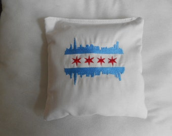 Embroidered Chicago Skyline  Corn hole Bags