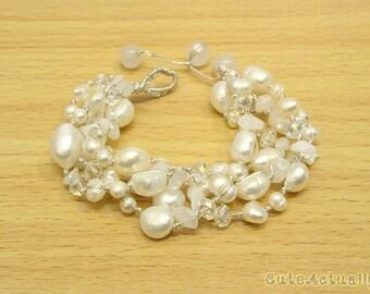White freshwater pearl bracelet with stone, crystal on silk thread, white pearl bracelet, white chunky bracelet