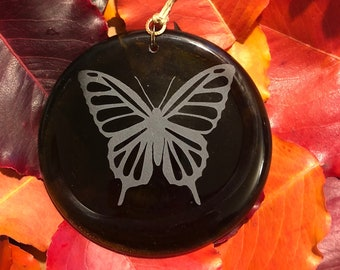 Light Brown Butterfly Lotus Recycled Wine Bottle Suncatcher Ornament Pendent Upcycle Repurpose Bottle Tree Garden Decoration Charm