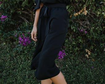 Toni Culottes / Black Crepe de Chine / Jumpsuit Look / Wide Leg / Cropped Pants / Flowy Capri / Work / Resort Fashion / Holiday Fashion