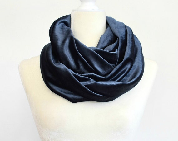 Velvet Infinity Scarf / Plum Purple / Dark Olive Green / Blue Steel / Black