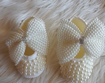 f49682d1f7886 Pearl Baby Shoes with Bows