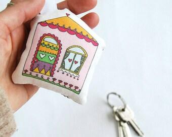 Little stuffed house keyring, design keychain, little home, soft keyring, keys holder, car keyring, fun illustrated home keyring