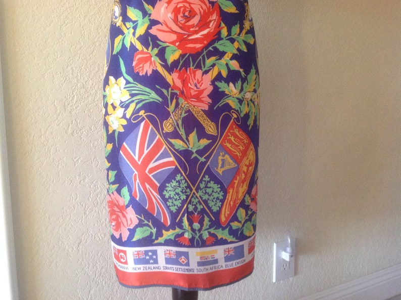 Royal Crown  colorful apron Vintage souvenir apron  full floral apron  Canada New Zealand Australia flags India  roses medallions