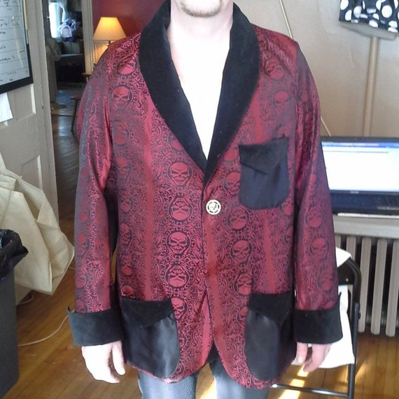 Skull brocade smoking jacket (1900-1910 era)