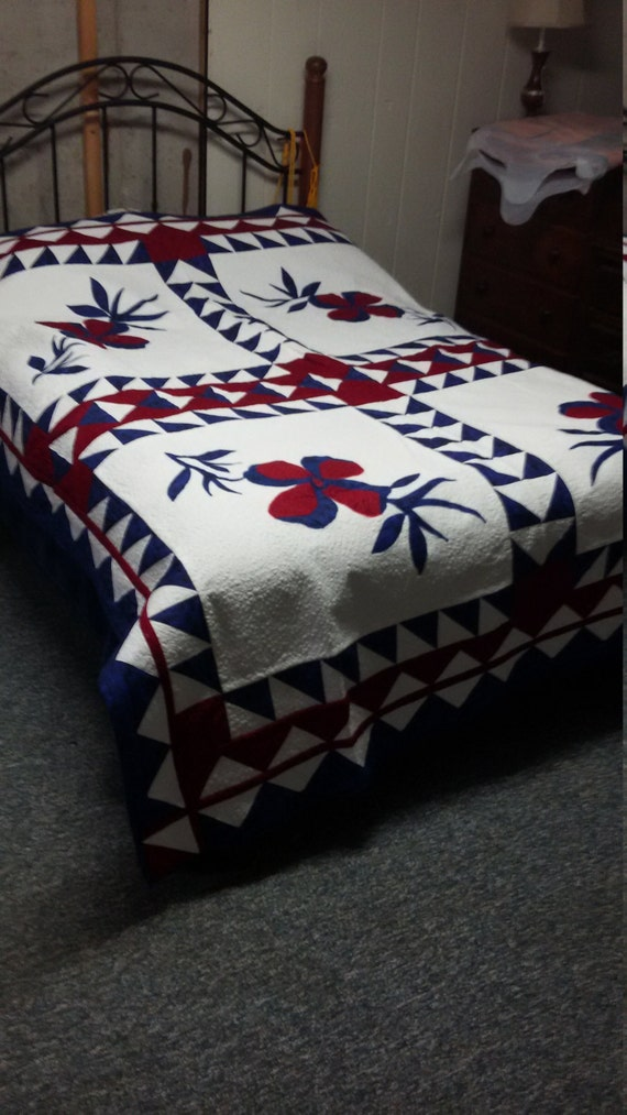 Beautiful  Red White and Blue flower patch quilt
