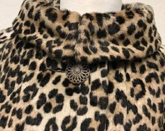 f712fa5f1e6b Vintage long leopard print coat