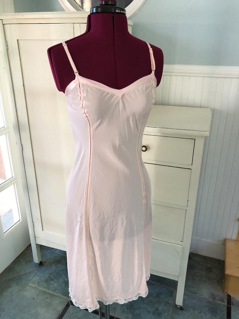 7768164d58b3 Vintage 1940s Lingerie / 40s Soft Pink Slip / Fitted Newform | Etsy