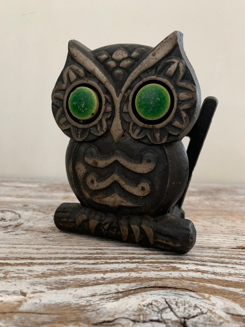 Vintage Cast Iron Green Eyed Owl Napkin Letter Holder Office Desk Accessory