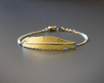 Bracelet feather the lovely gold-plated