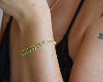 Dainty gold bracelet double chain and beaded row