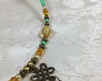 Celtic Green Amber Bead Memory Wire Choker Necklace Knot Pendant Stackable Boho Irish Jewelry Gifts Under 10