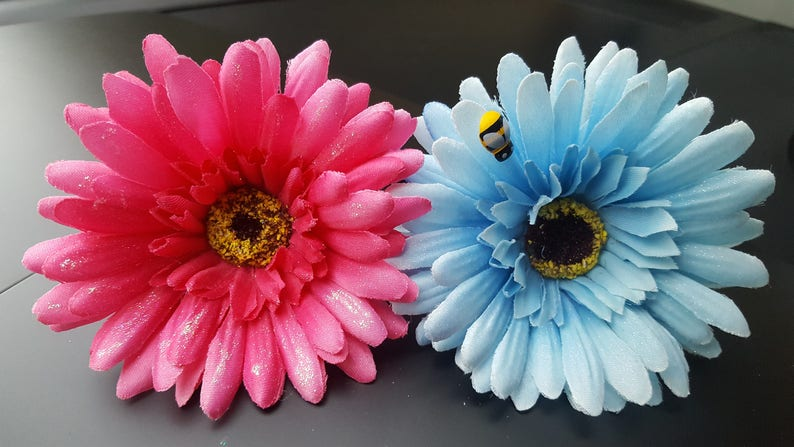 VW flower for your dashboard RED shimmer and snowflake Gerbera Beetle