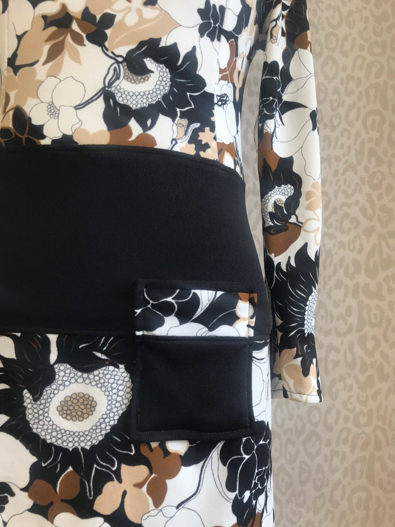 anorak style 70\u2019s fashion retro style retro dress 70s floral dress with pockets