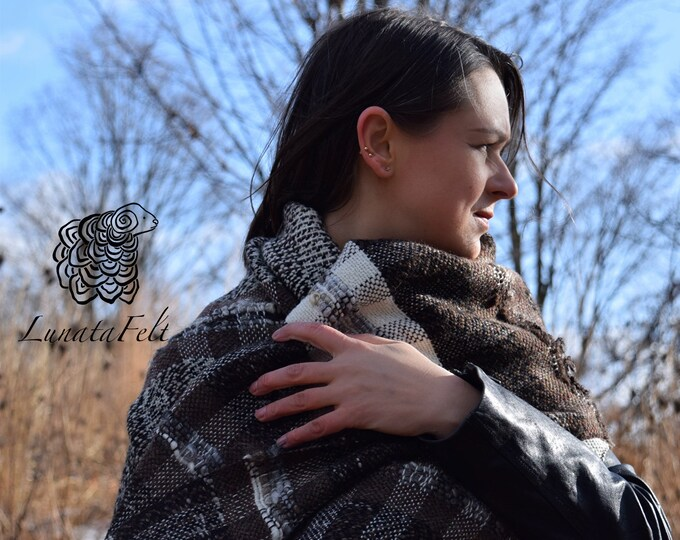 Featured listing image: Mainland. Shetland - Handwoven wrap made of handspun yarn (Shetland, Merino and Lincoln) - warm and hygge - ready to ship