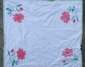 Vintage 1950 39 s stencil floral white cotton crochet lace trim tablecloth 30 quot x 33 quot table linens housewares