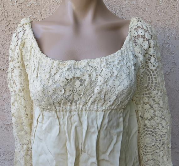 Vintage 1960's white crochet lace long sleeve emp… - image 2