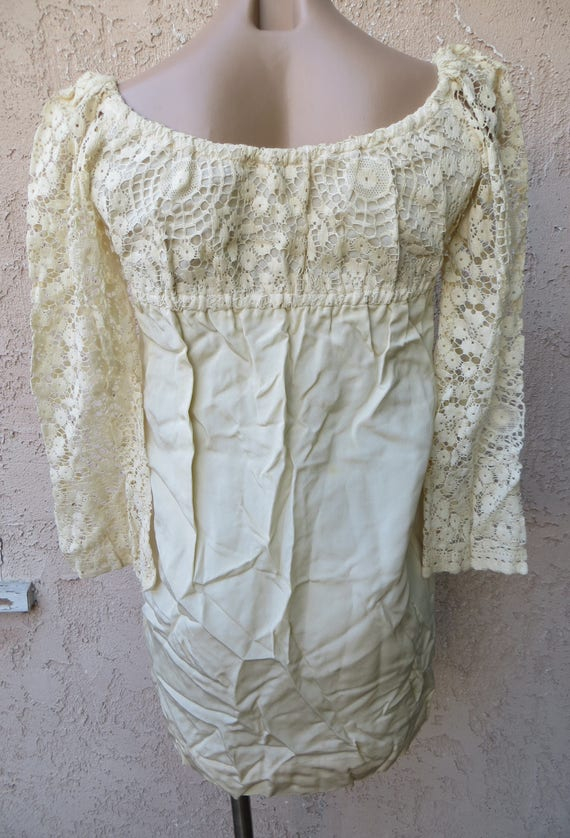 Vintage 1960's white crochet lace long sleeve emp… - image 4